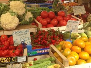 Fresh tomatoes at Camp de Fiori