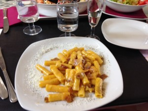 Rigatoni Carbonera with free prosecco